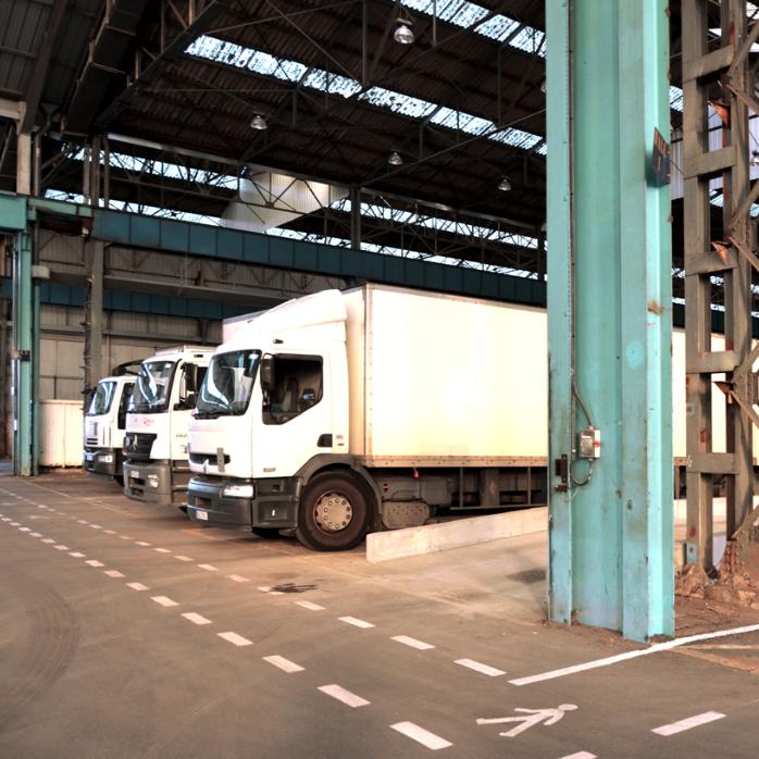 entreposage des camions de transport